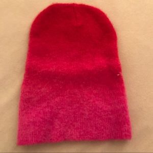 Pink & Red Womens Ombré Knot Hat
